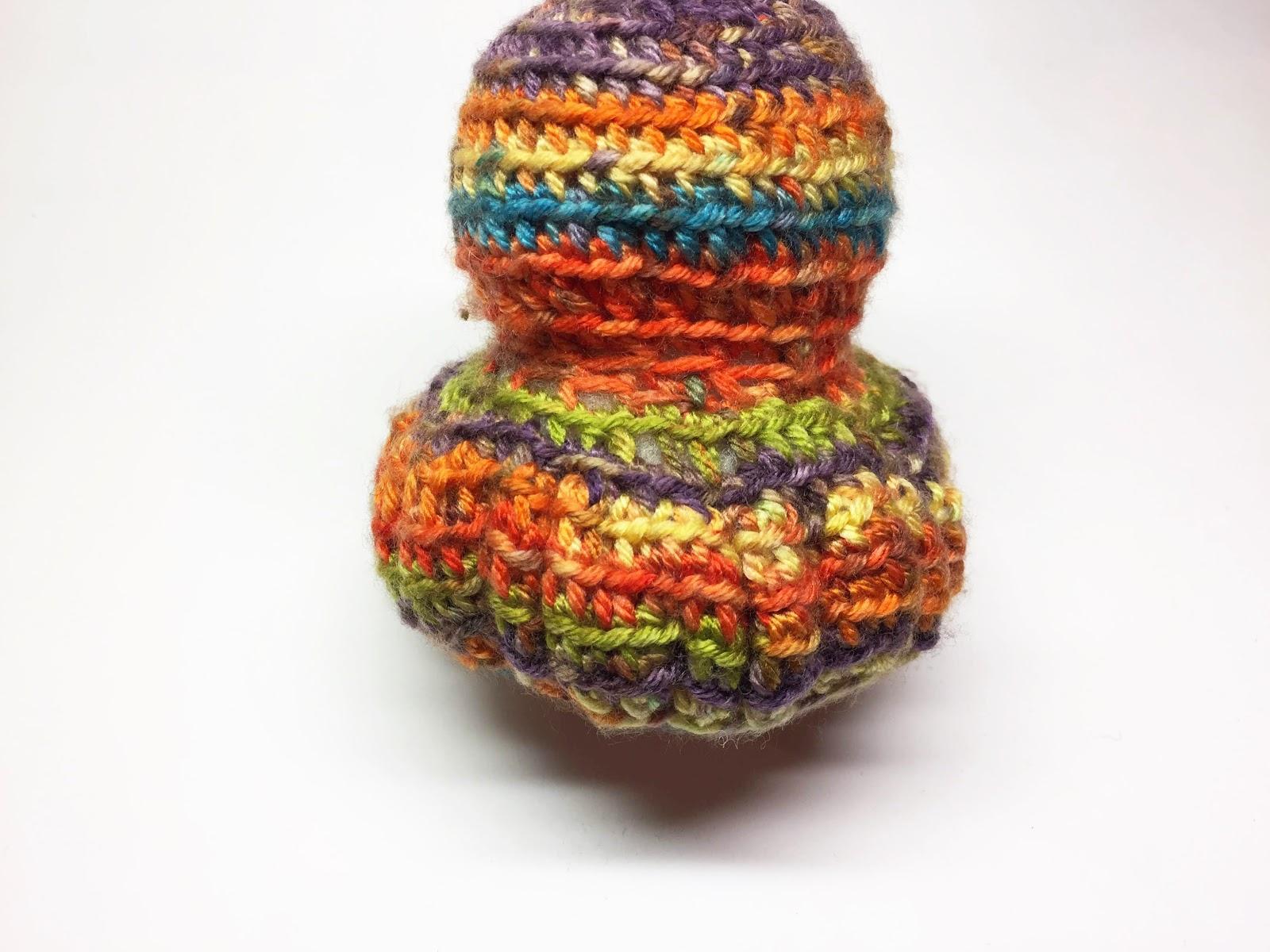 試作段階で編み目を増やしすぎたために発生した「ひだ」 ©noiz